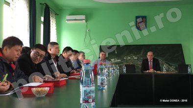Delegatie de oameni de afaceri chinezi la Otelu Rosu