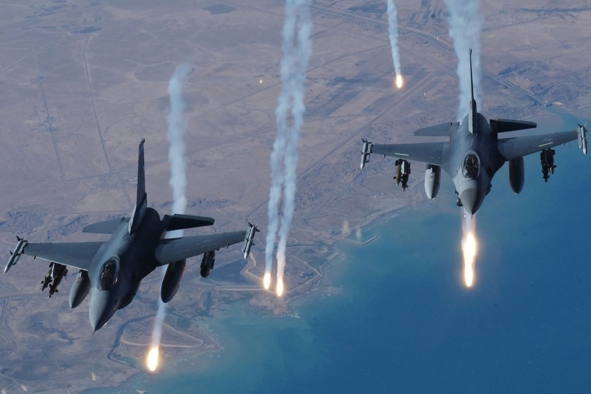Muzica: F-16 Fighting Falcon, Royal Netherlands Air Force - RNLAF si Whitney Houston - Star Spangled Banner, US National Anthem